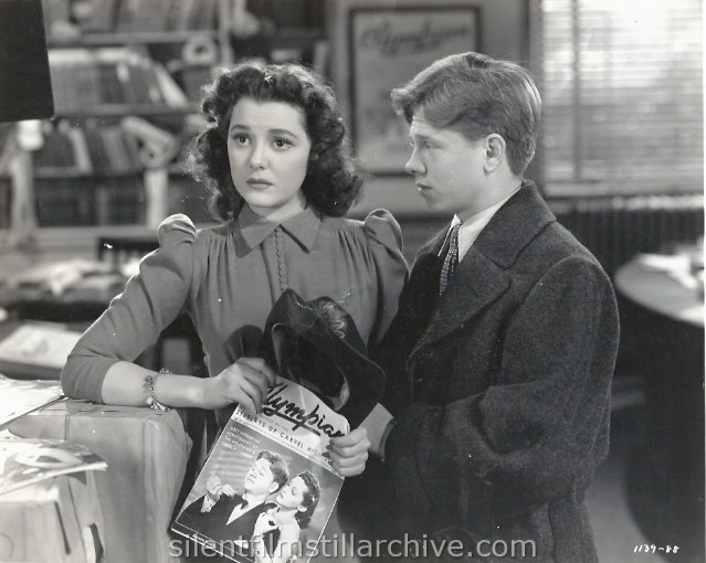 Ann Rutherford and Mickey Rooney in ANDY HARDY MEETS DEBUTANTE (1940).