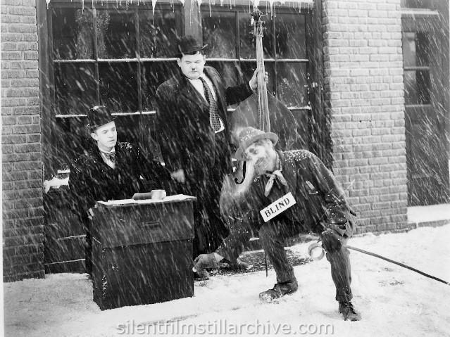 Laurel et Oliver Hardy Stan en dessous de zéro (1930)
