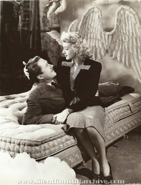 Allyn Joslyn and Evelyn Keyes in DANGEROUS BLONDES (1943).