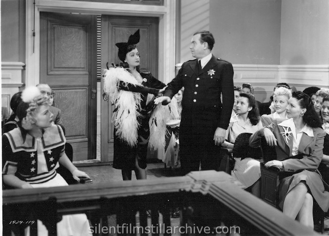 Betty Hutton, Dorothy Lamour and Eddie Bracken in THE FLEET'S IN (1942)