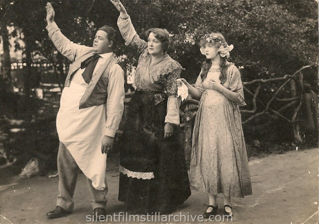 Franklin Arbuckle, Madge Hunt and Dorothy Gish in OLD HEIDELBERG (1915).