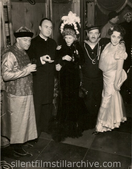 AT HOLLYWOOD BOWERY PARTY.