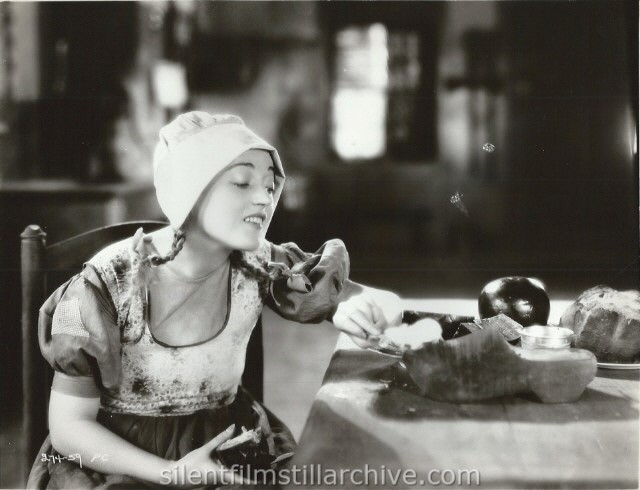 THE RED MILL (1927) with Marion Davies