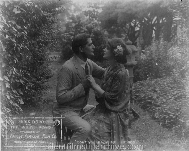 Thomas Holding and Marie Doro in THE WHITE PEARL (1915)